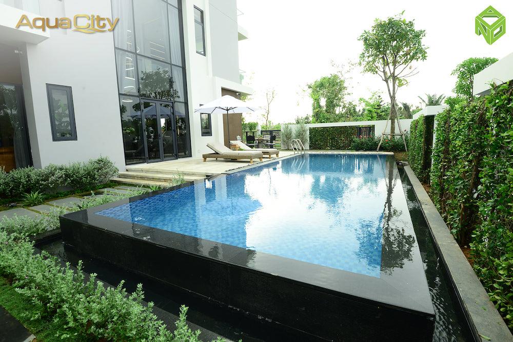 Hồ bơi sân vườn - biệt thự mẫu Aqua City 17x20 - Đảo Phượng Hoàng