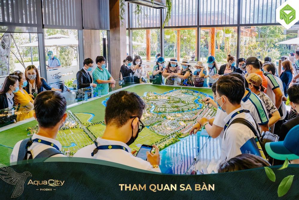 Tham quan nhà mẫu Aqua City - Sảnh đón khách - Sa bàn